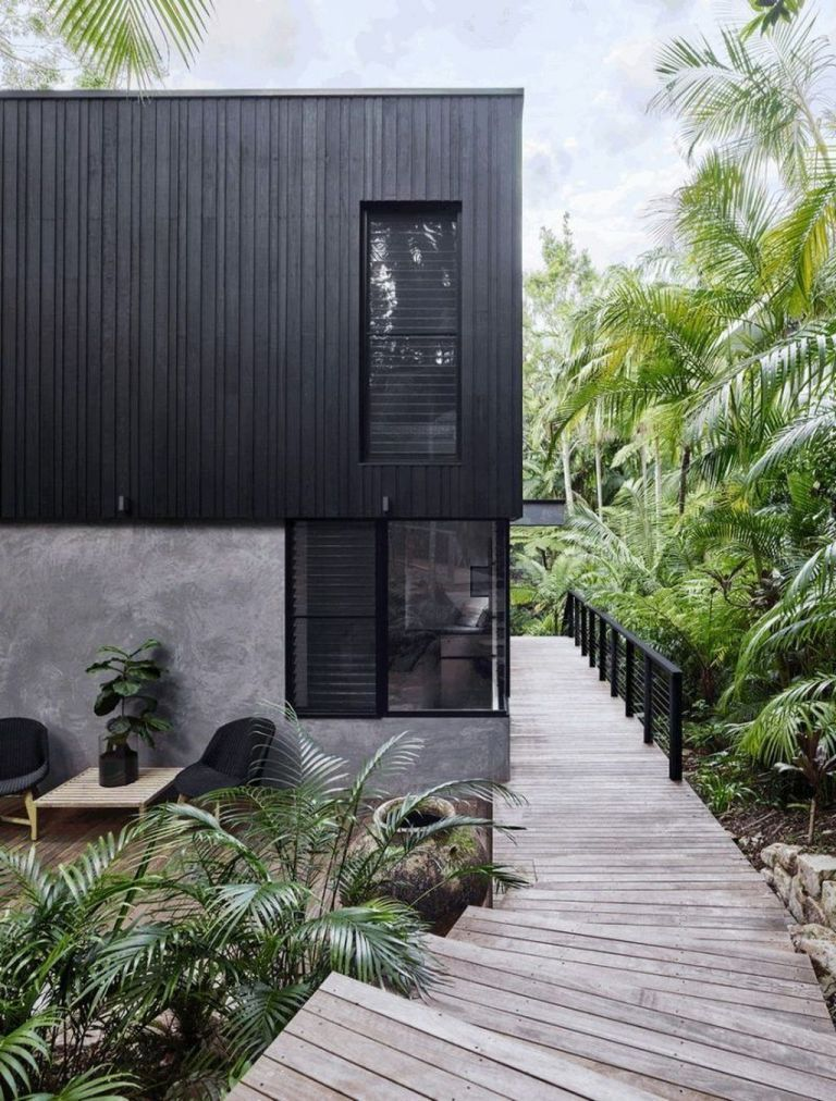 Awesome Black House Exterior Design Ideas You Definitely Like Hoomcode Fachadas Modernas Casas Costeras Arquitectura