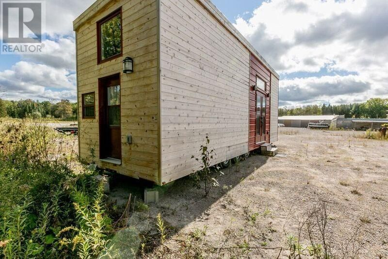 Stupendous Dream House To Go Tiny House For Sale In Ontario Canada Home Interior And Landscaping Ponolsignezvosmurscom