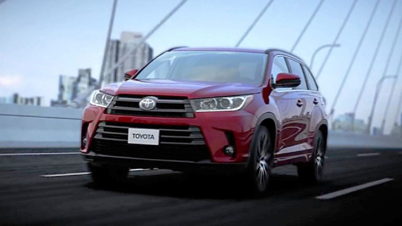 Toyota first look 2017 toyota highlander