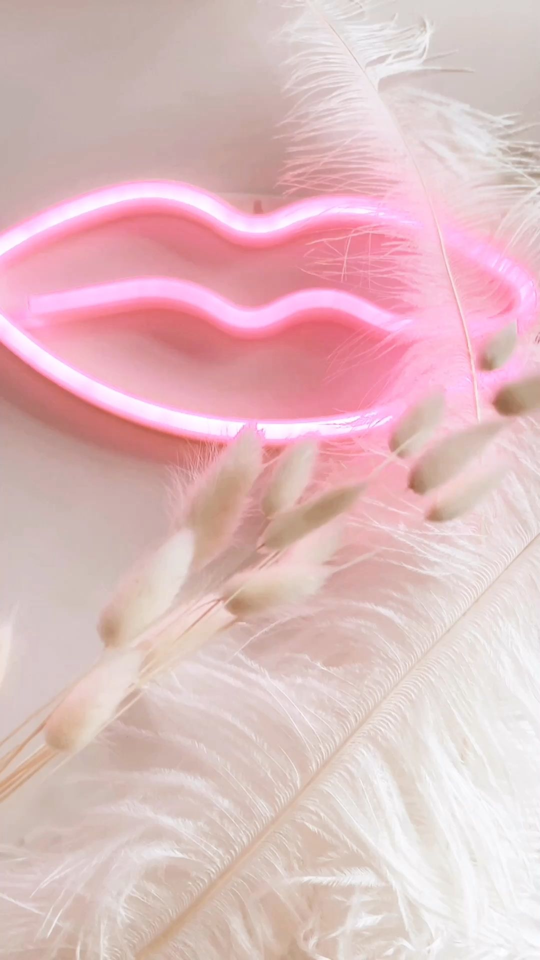 Pink office details