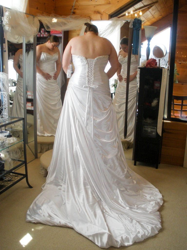 The ultimate guide to plus-size wedding dress shopping | Advice ...