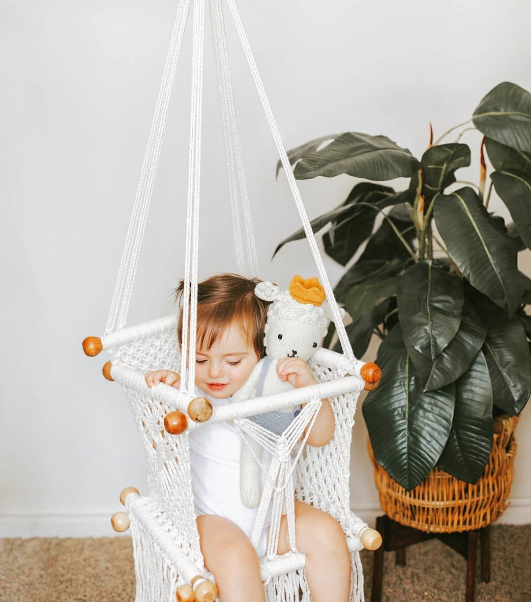 Just Swinging Life Away How Perfect Is This Macrame Swing From Adelisaandco I M In Love We Don T Have It Actu Macrame Swing Installation Swing