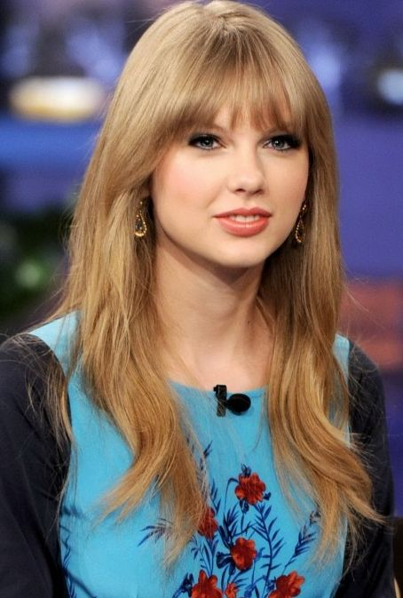 Taylor Swift Favorite Color Movie Animal Sports TV Show ...