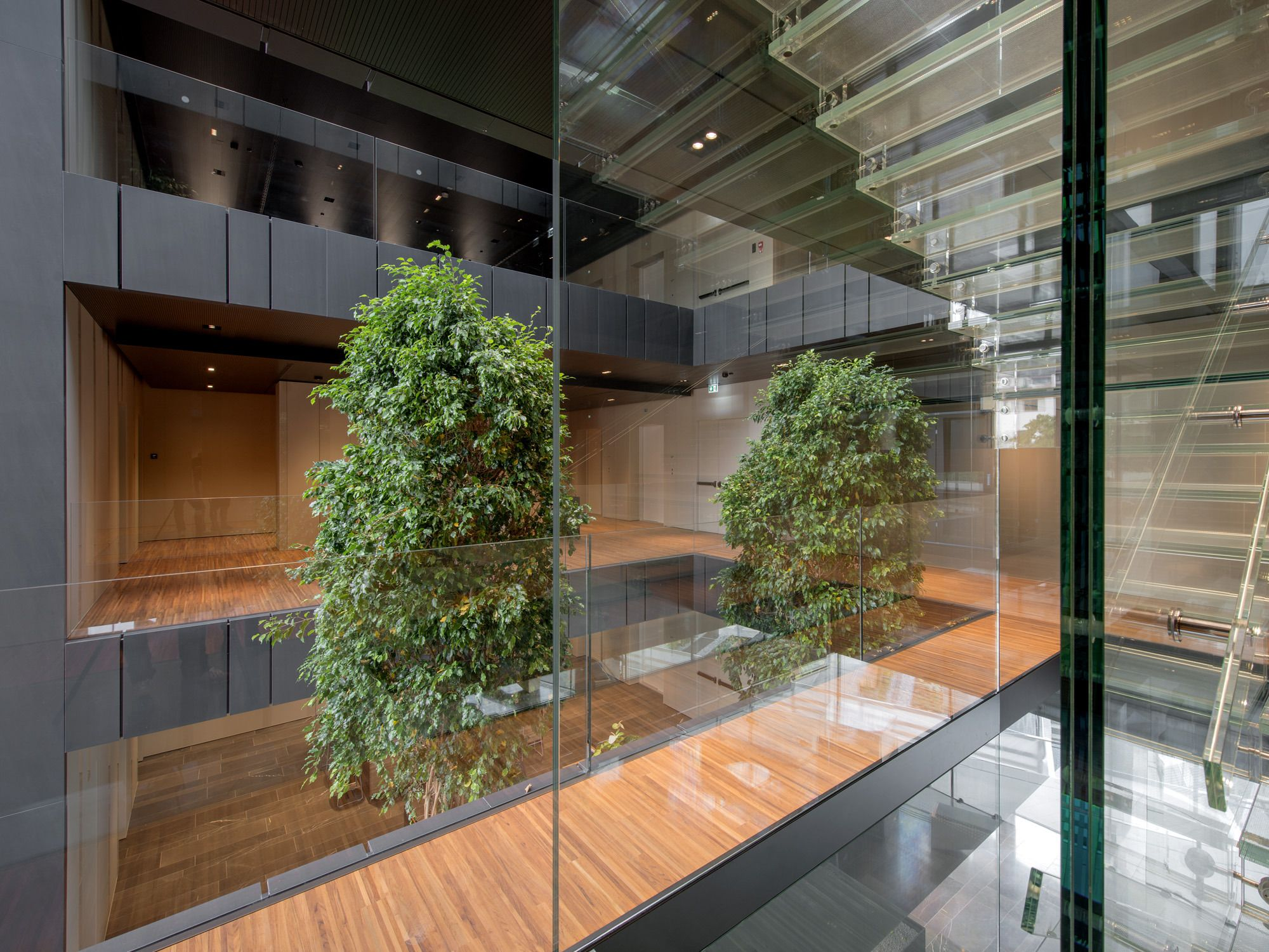 Agb Asset Bank Headquarter Picture Gallery In 2020 Picture Gallery Interior Decorating Pictures
