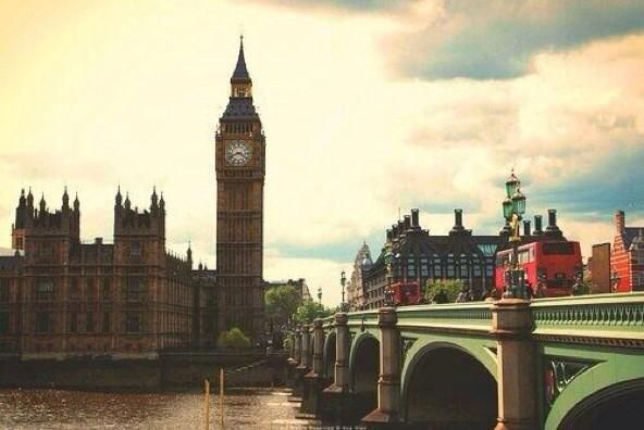 Londres. ¡Increíble! pic.twitter.com/s7IwgwXhl8
