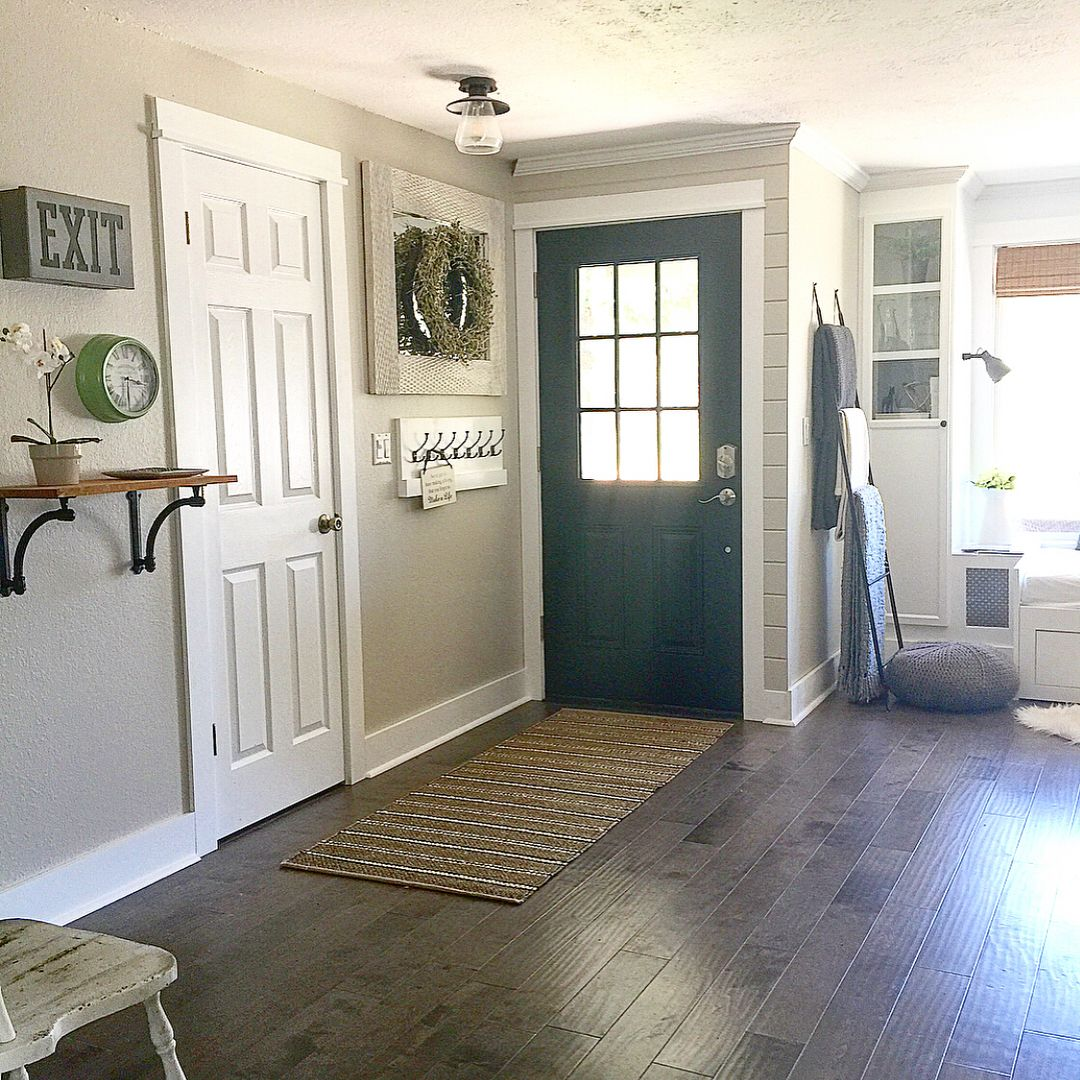 Farmhouse Living Room Paint Colors: Love This Paint Color....aged Beige From Behr Paint. Thank