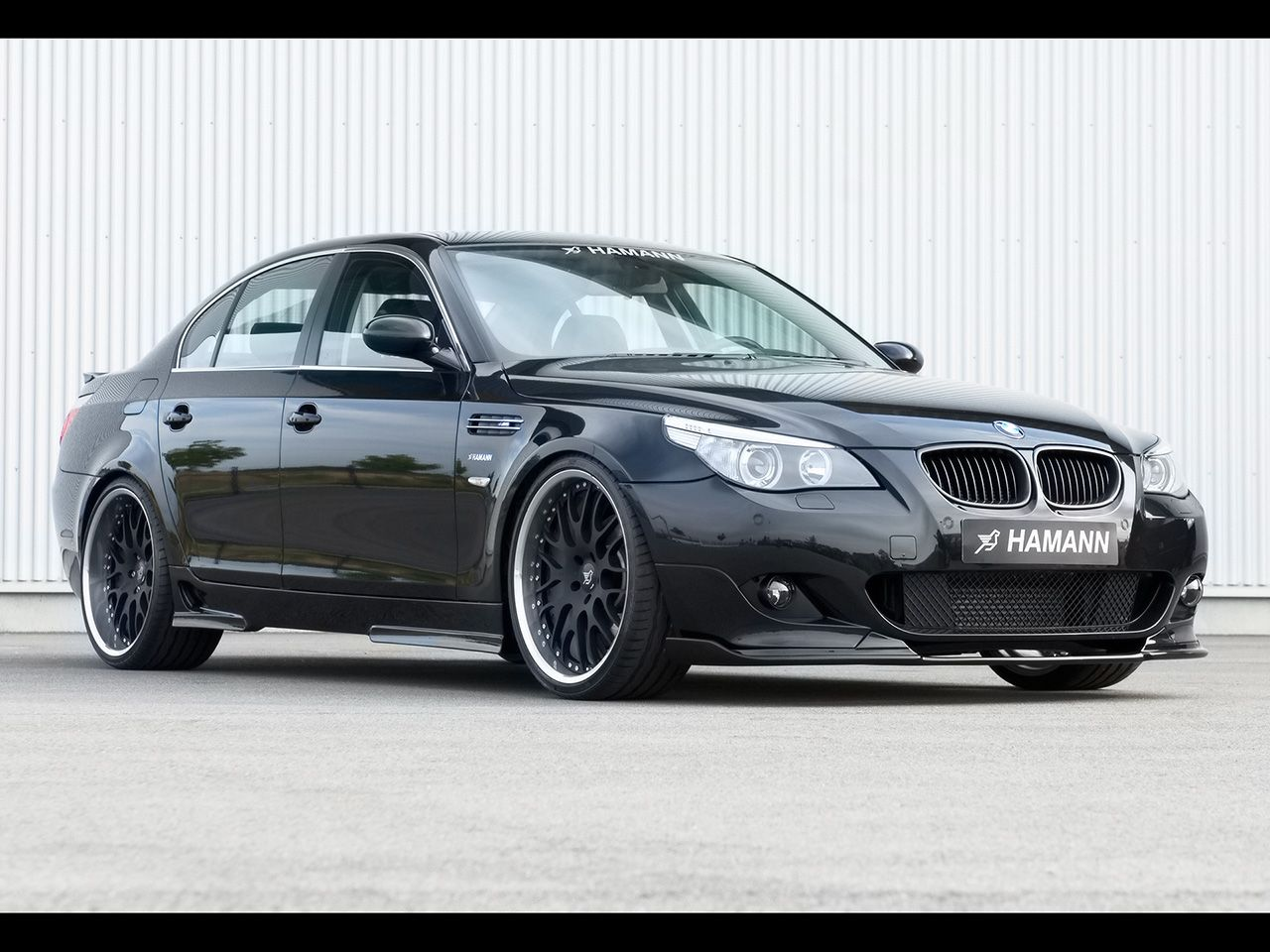 2007 Hamann Bmw 5 Series Front And Passenger Side Bmw Bmw 5 Series Car Features