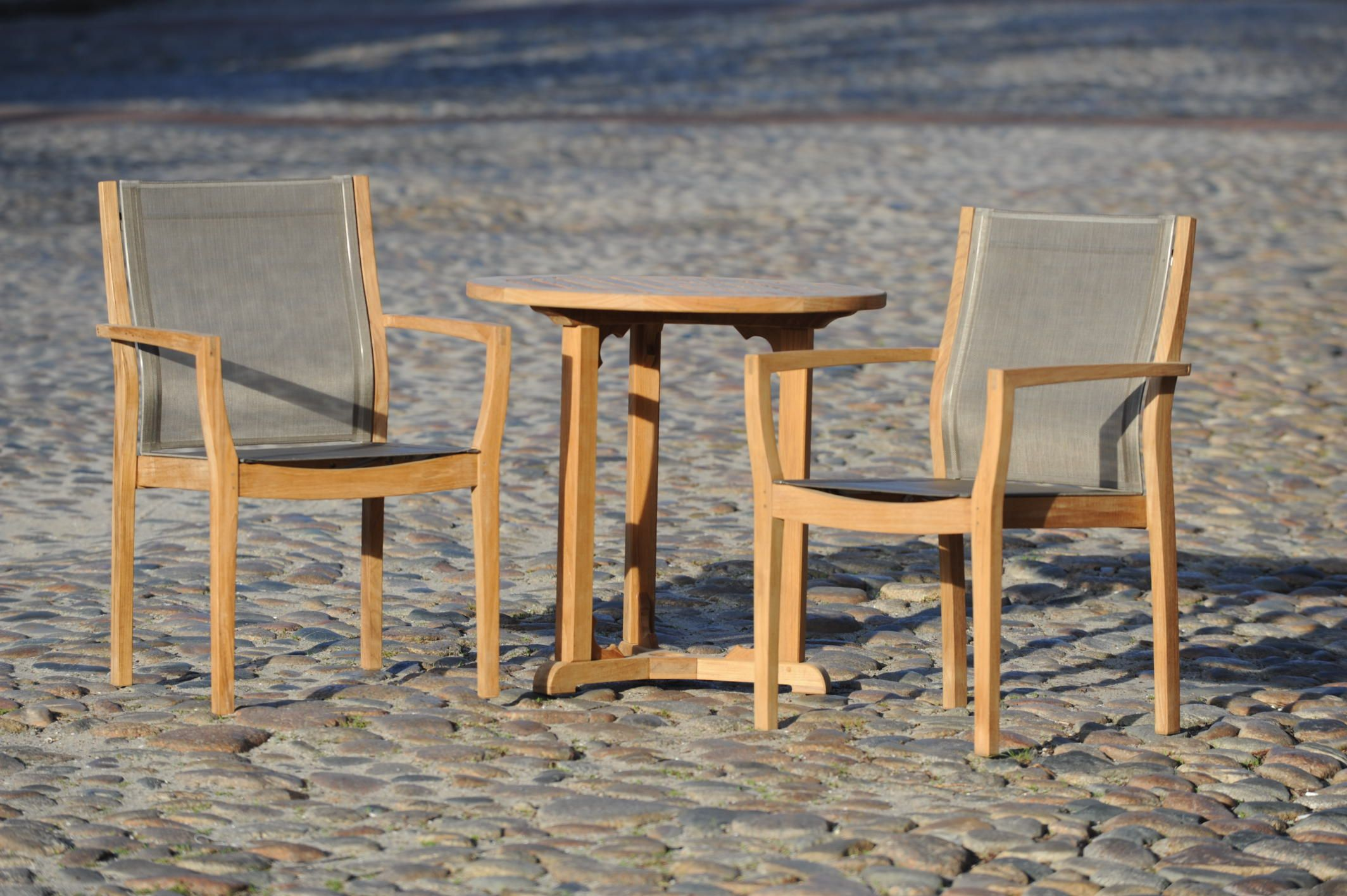 Barlow Tyre Horizon Dining Chair Enjoy Some Time On The Streets Of Nantucket