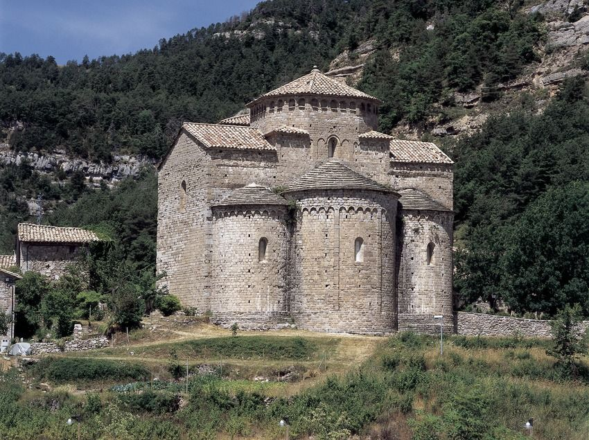 Church of Sant Jaume de Frontanyà - This 11th century church has a peculiar twelve-sided domed roof, an architectural feature unique in Catalonia #BCNmoltmes #Pyrenees #church #bergueda #architecture