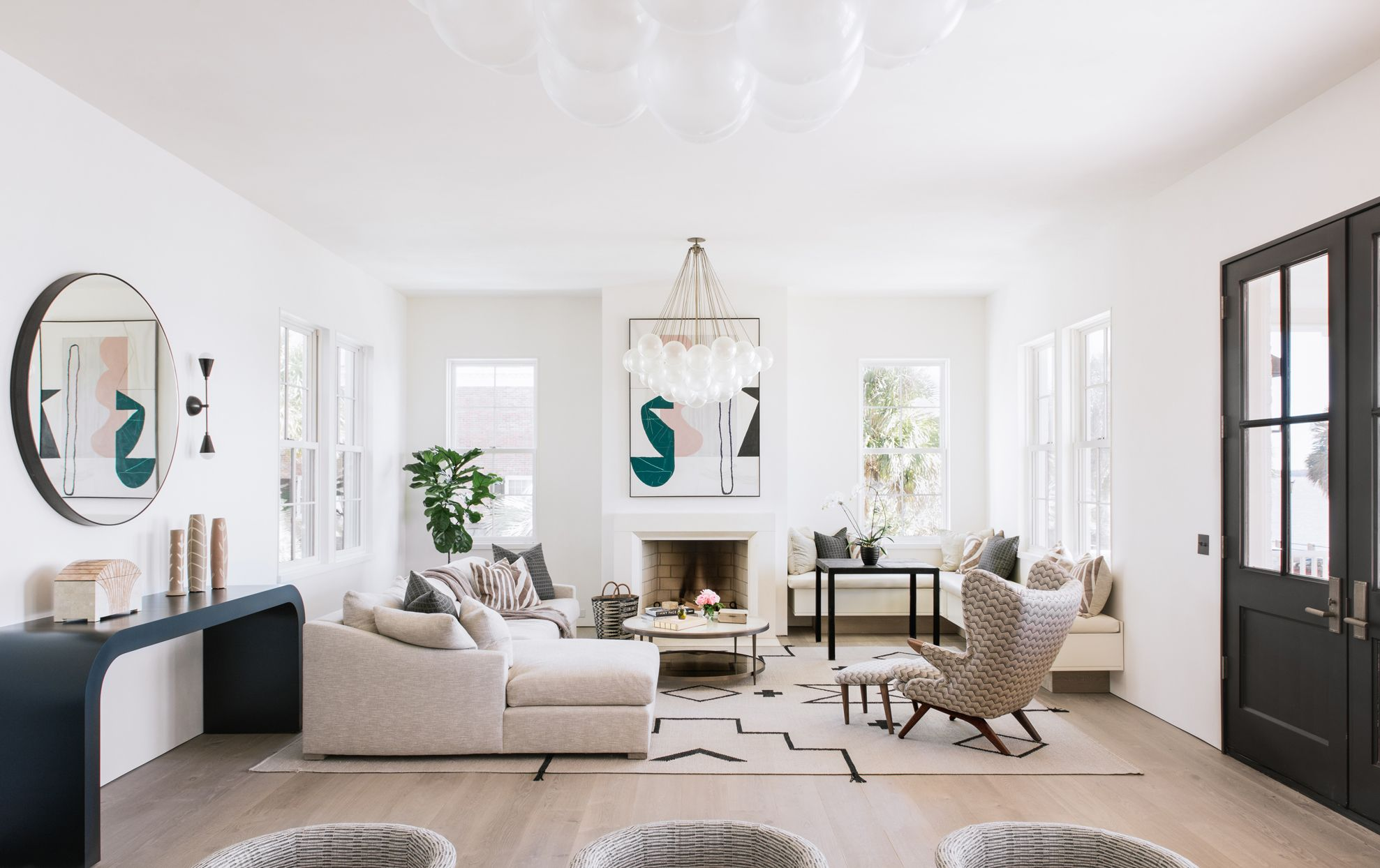 10 Chic And Stylish Living Rooms And Expert Advice On How To Recreate Them In Your Home In 2020 Stylish Living Room Living Room Decor Home Decor