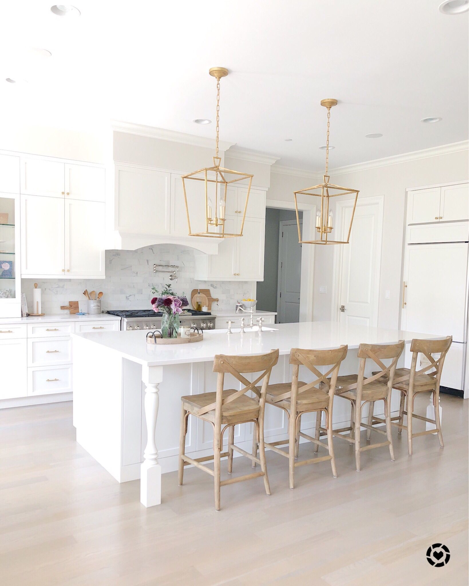 29+ Beautiful Beach Style Kitchen Ideas For Your Beach House Or