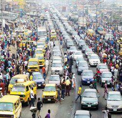 NIGERIA : En quinze mois, l'économie du pays s'est effondrée au point de perdre sa première place en Afrique   Politique AfriquePolitique Afrique