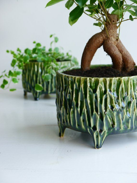 Green flower pot ceramic flower pot pot on legs flower pot, #Ceramic #Flower #Green #greenpl...