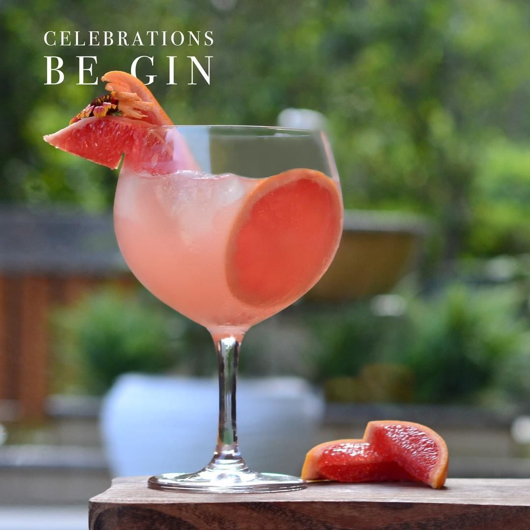 Gin, Grapefruit and Grappa- a winning combination! Swing by Grappa for a gin-credible time this weekend. . . . #ShangriLa #ShangriLaHotels #ShangriLaNewDelhi #Hotel #Vacation #Delhi #Travel #Tourism #Luxury #Luxurious #India #Gin #Grapefruit #Cocktails #grapefruitcocktail