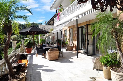 Love The Retractable Black White Awnings Dream Patio Beautiful Homes Island House