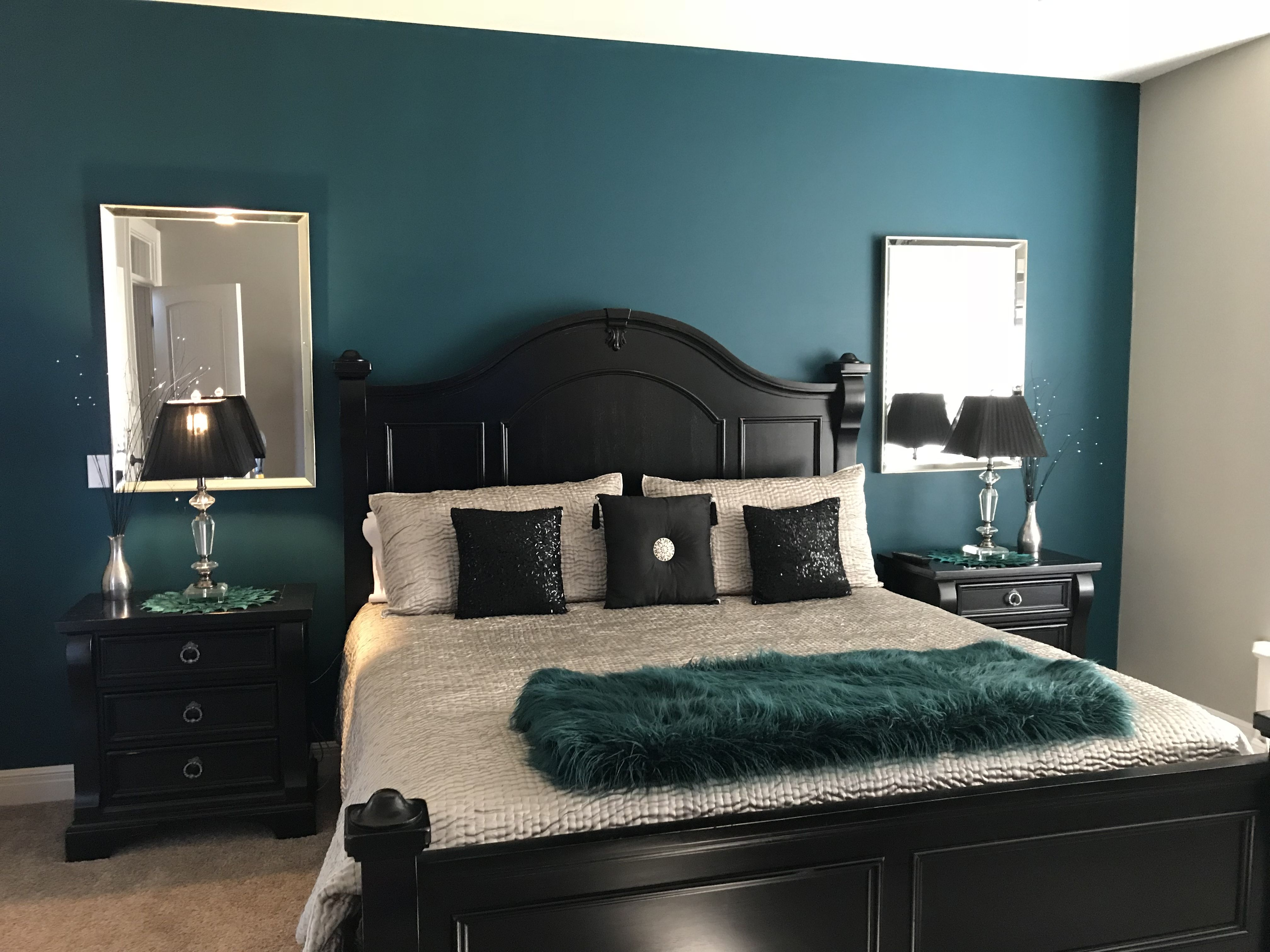 Dramatic Accent Wall In Master Bedroom Love The Teal Black And