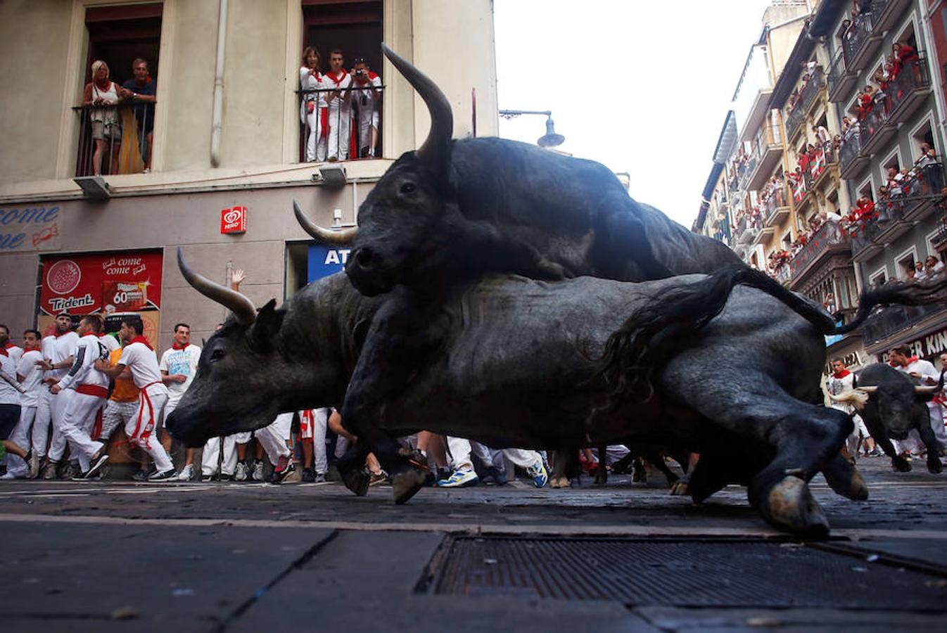 Sanfermines: Las impactantes imágenes que nos deja el tercer día de encierros en Pamplona