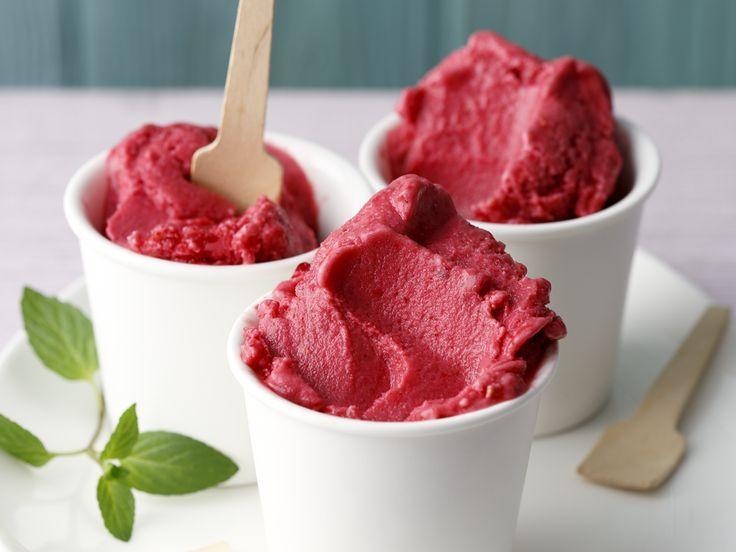 Leichtes Himbeer-Joghurt-Eis