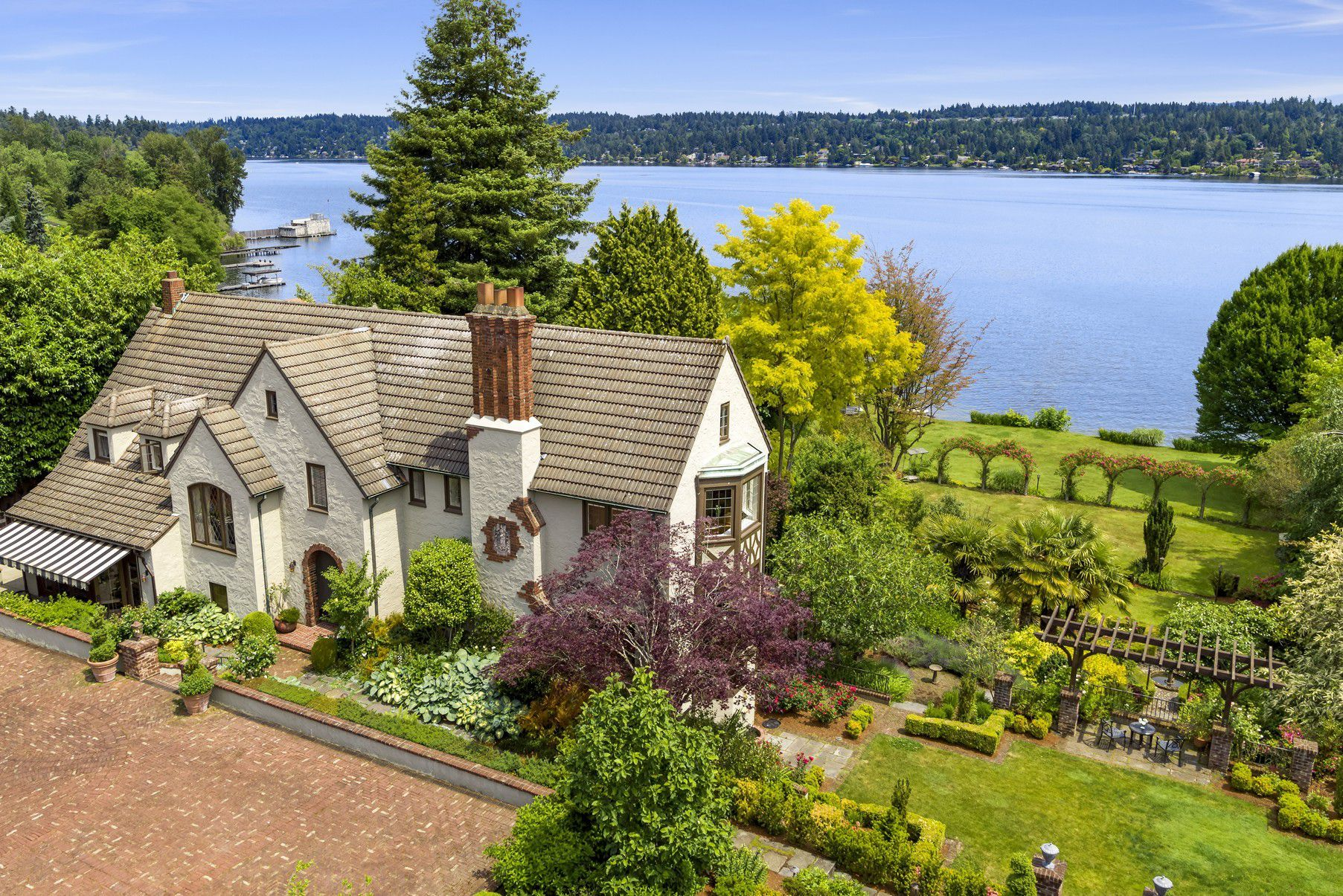 Seattle Magnificent Estate Affords Nearly 2 Acres Of Gardens In Seattle Listed By Norris Nw Homes R Seattle Homes For Sale Seattle Homes Luxury Beach House