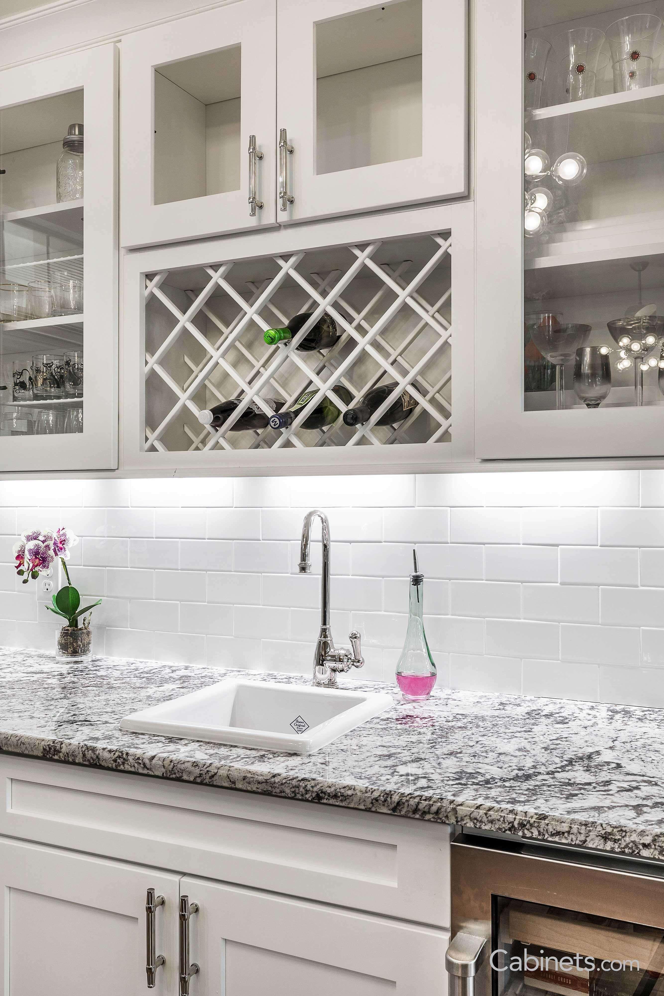 Shaker Ii Maple Bright White Shaker Ii Maple Creek Stone Classic White Kitchen Grey Kitchens Kitchen