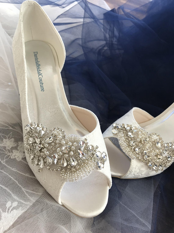 646c140cb Vintage lace bridal shoes with kitten heel