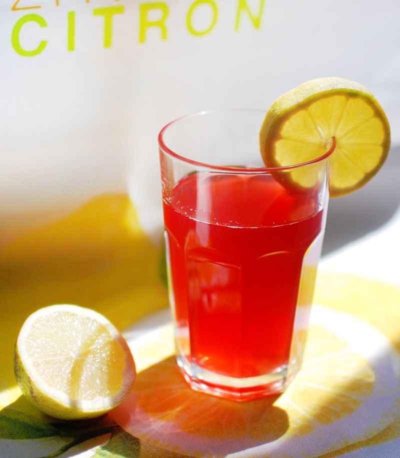 here comes a yummy recipe for a refreshing #lemonade on my blog! #kompott #fruits #drink #healthy #sommer #inspiration