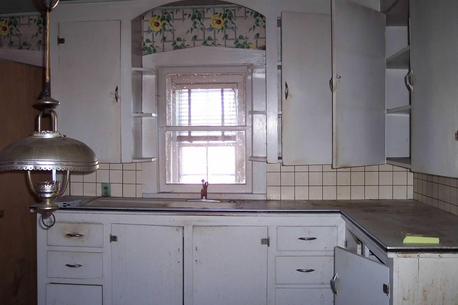 Warrington House Pictures Kitchen Cabinet Styles 1930s Kitchen Kitchen Cabinets