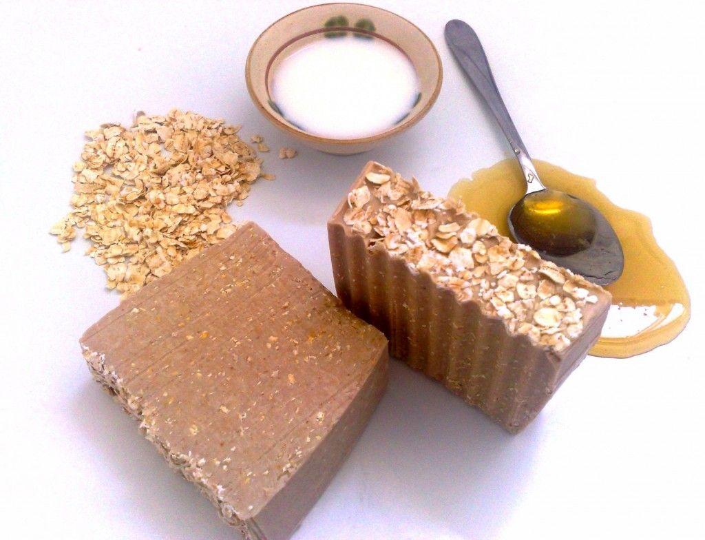 Vitamin HB   The Best DIY Oak-Honey-Milk Bath!   Huda Beauty   Makeup Tips, Reviews & Skincare Advice