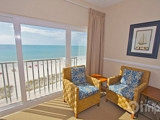 Spacious Beachfront Penthouse. Great Family Resort & Beach!