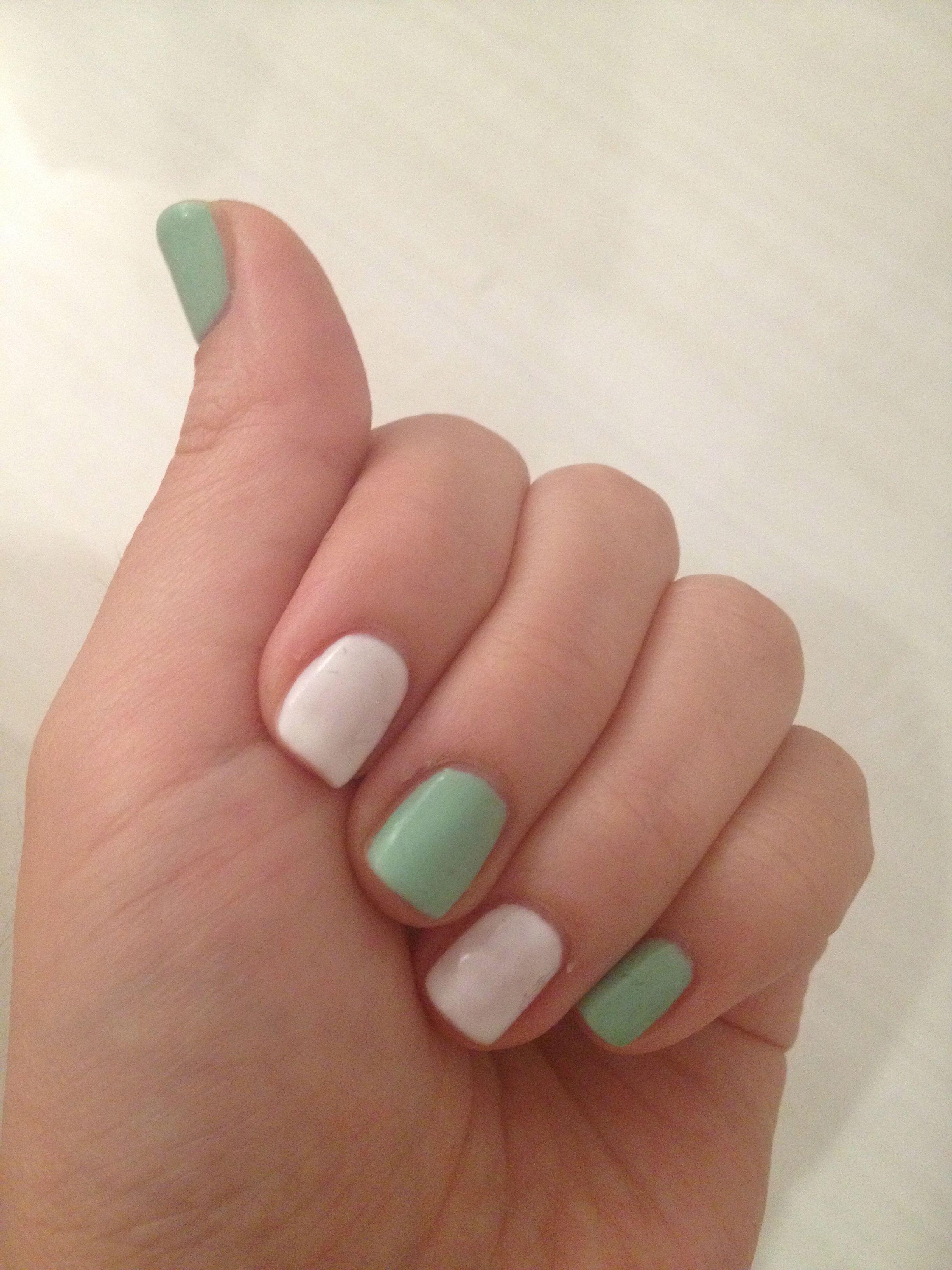 Self Gel Nails Green White