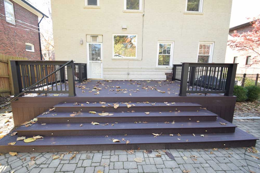 Trex Deck In Woodland Brown With Large Stairs Looking For Endless Color And Style Choices