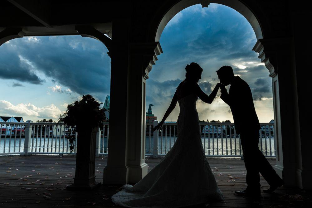 A storybook kiss at Sea Breeze Point in Disney's BoardWalk. Photo: Ali, Disney Fine Art Photography