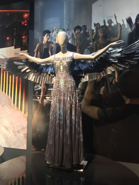 Panem Propaganda - The Hunger Games News - Fan Preview: Inside The ...