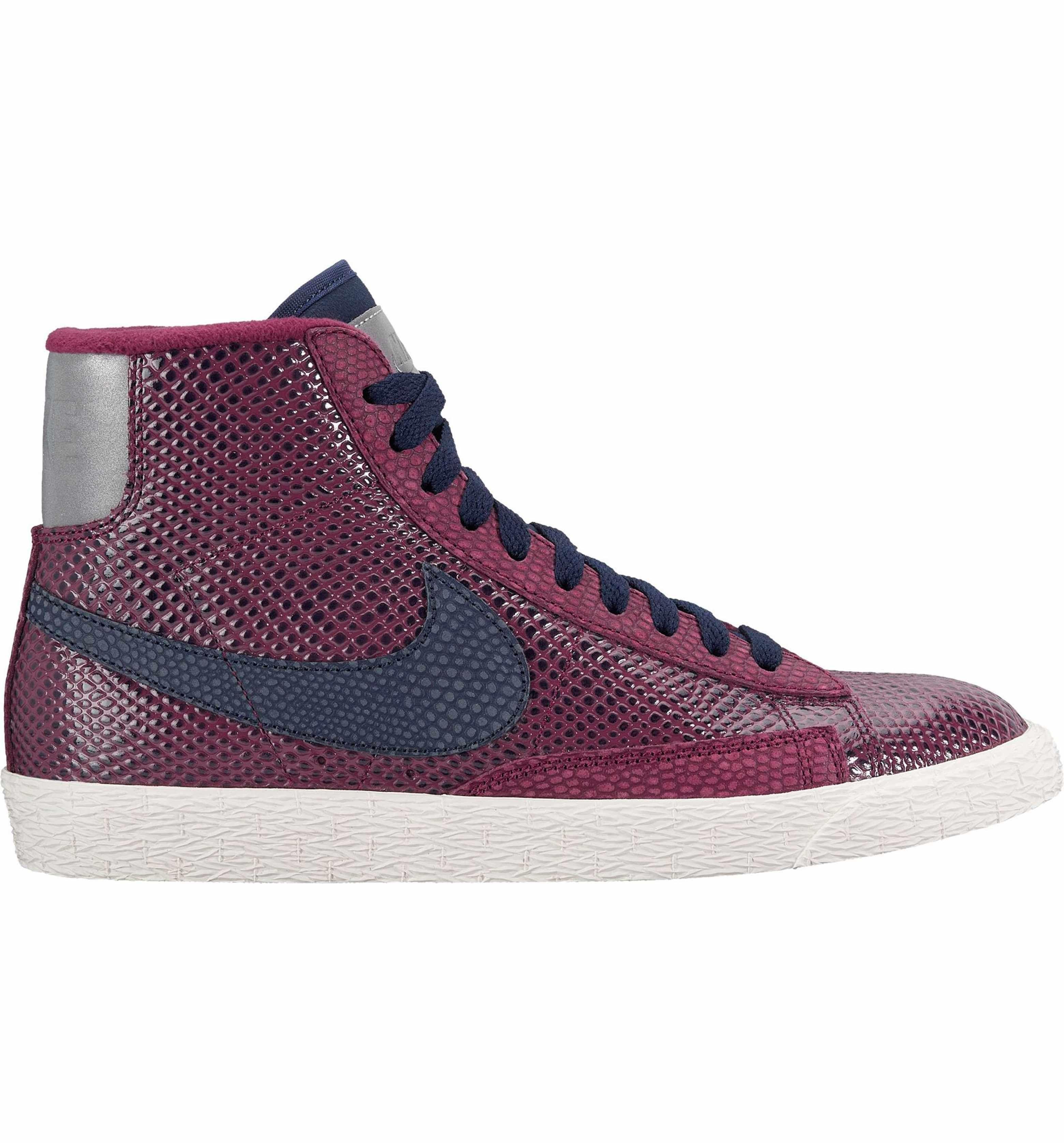 Blazer Mid Top Sneaker. Nike BlazersSneakers WomenMinimalSoleNordstrom 98df58d48