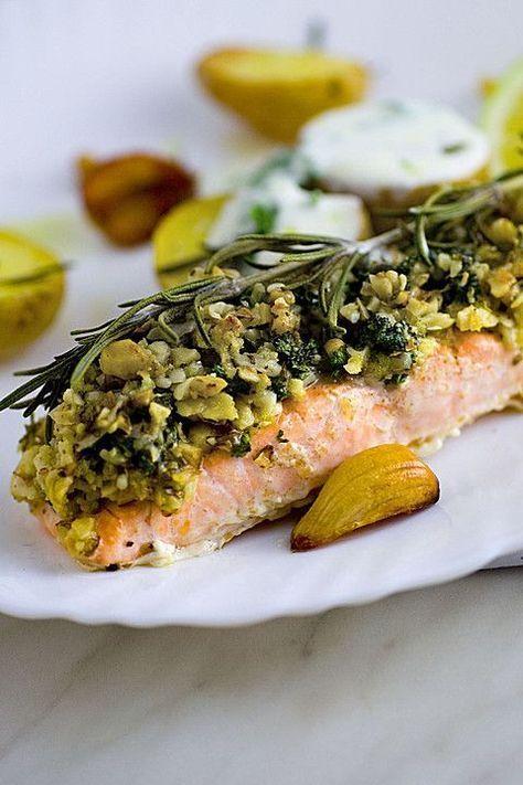 Lachs mit Parmesan-Kräuter-Walnuss-Kruste von renimo | Chefkoch