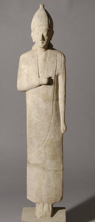 Limestone statue of a male worshipper c. 600 BC Cypro Archaic II (Source: The British Museum)