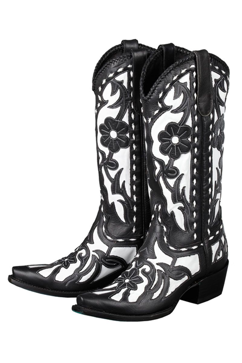 Lane Black and White Cowgirl Boots make dramatic #wedding #boots for #country #brides