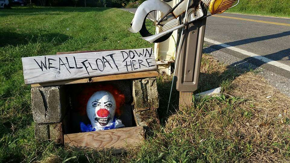 Pennywise the pumpkin ;) By Jessica Dawn Parrott, TN Halloween - halloween props decor