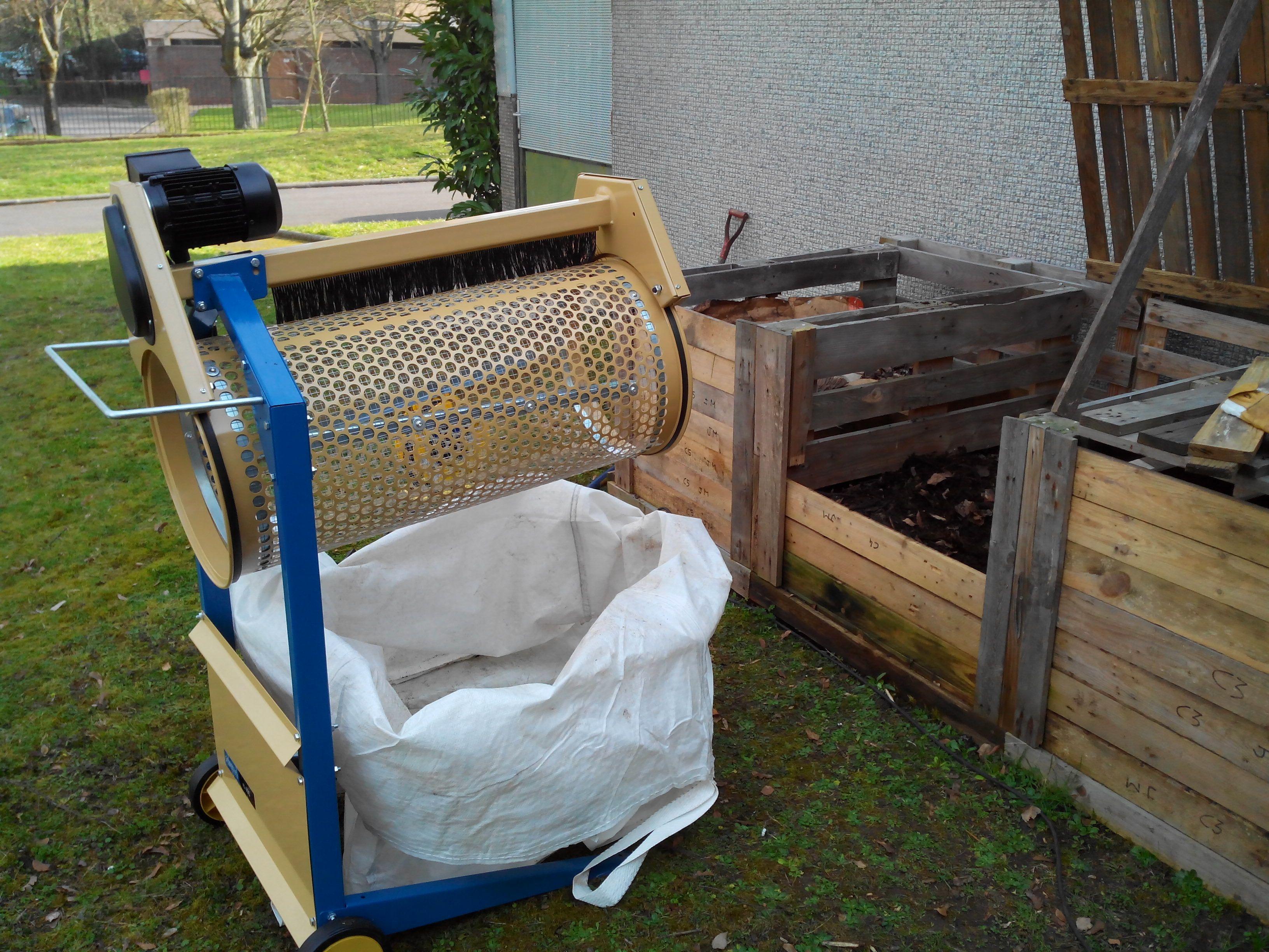 tamiseur rotatif compost solutions pinterest. Black Bedroom Furniture Sets. Home Design Ideas