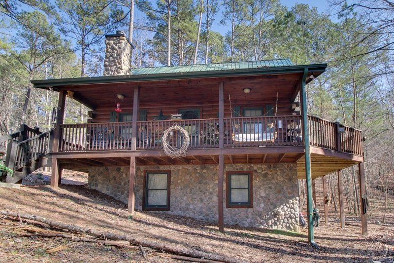 Secluded Country Cabin W Resort Amenities Like A Shared Pool