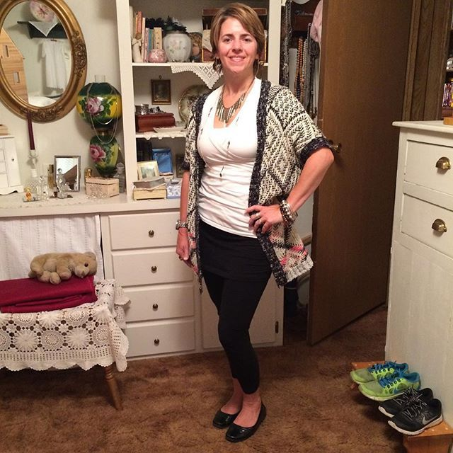 #OOTD travel edition. All #cabiclothing outfit with m'leggins, white tee, and oversized sweater. Perfect for 9 hours on a plane! #SilpadaStyle fringe necklace. No place for a selfie so picture is compliments of my 12 year old! #Fashion #WhatIWore #Jewelry