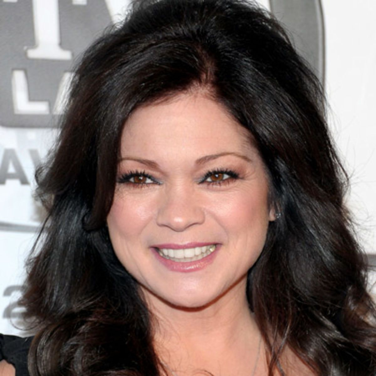 Thinking Of Going Even Darker Valerie Bertinelli Couture Hairstyles Celebrities Female
