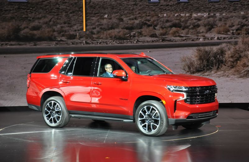 First Look 2021 Chevrolet Suburban And Tahoe In 2020 Chevrolet Suburban Chevrolet Chevy Models