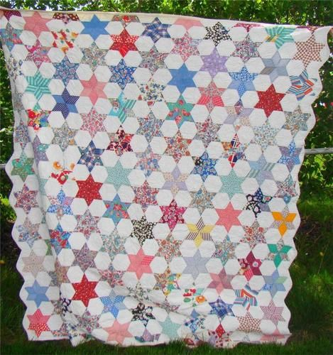 Antique Vintage Hand Made Sewn Six Pointed Star Quilt Excellent Condition NR | eBay I'm making a quilt like this at the moment!