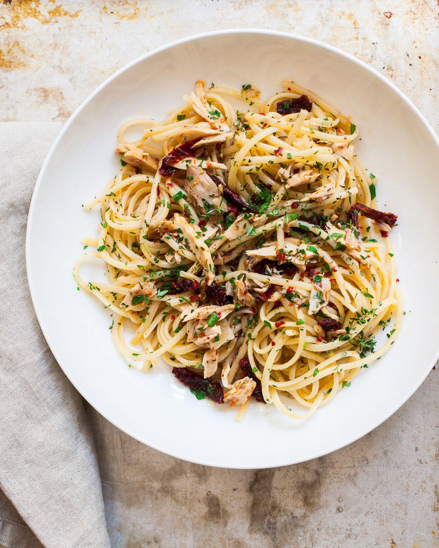 Olive Oil And Garlic Tuna Pasta Recipe Pasta Recipes Olive