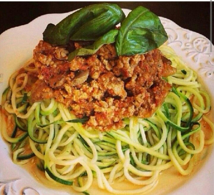 Eat raw in moderation. Zucchini pasta with turkey bolognese