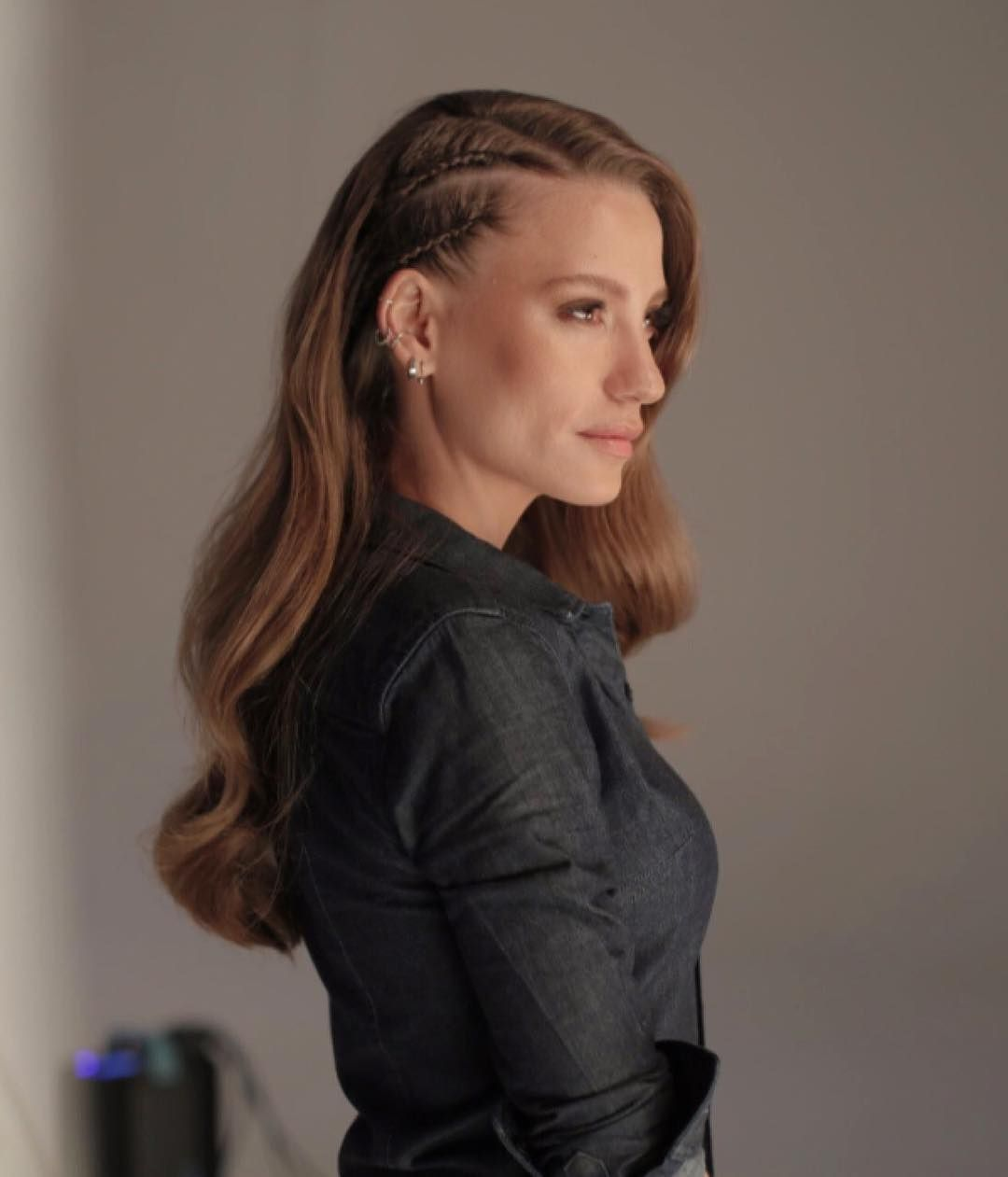 Serenay Sarıkaya Fan Eşsiz Bir Güzellik Serenaysarikaya Headandshoulders Muhteşem Saç Modelleri Muhteşem Saç Kumral Saçlar