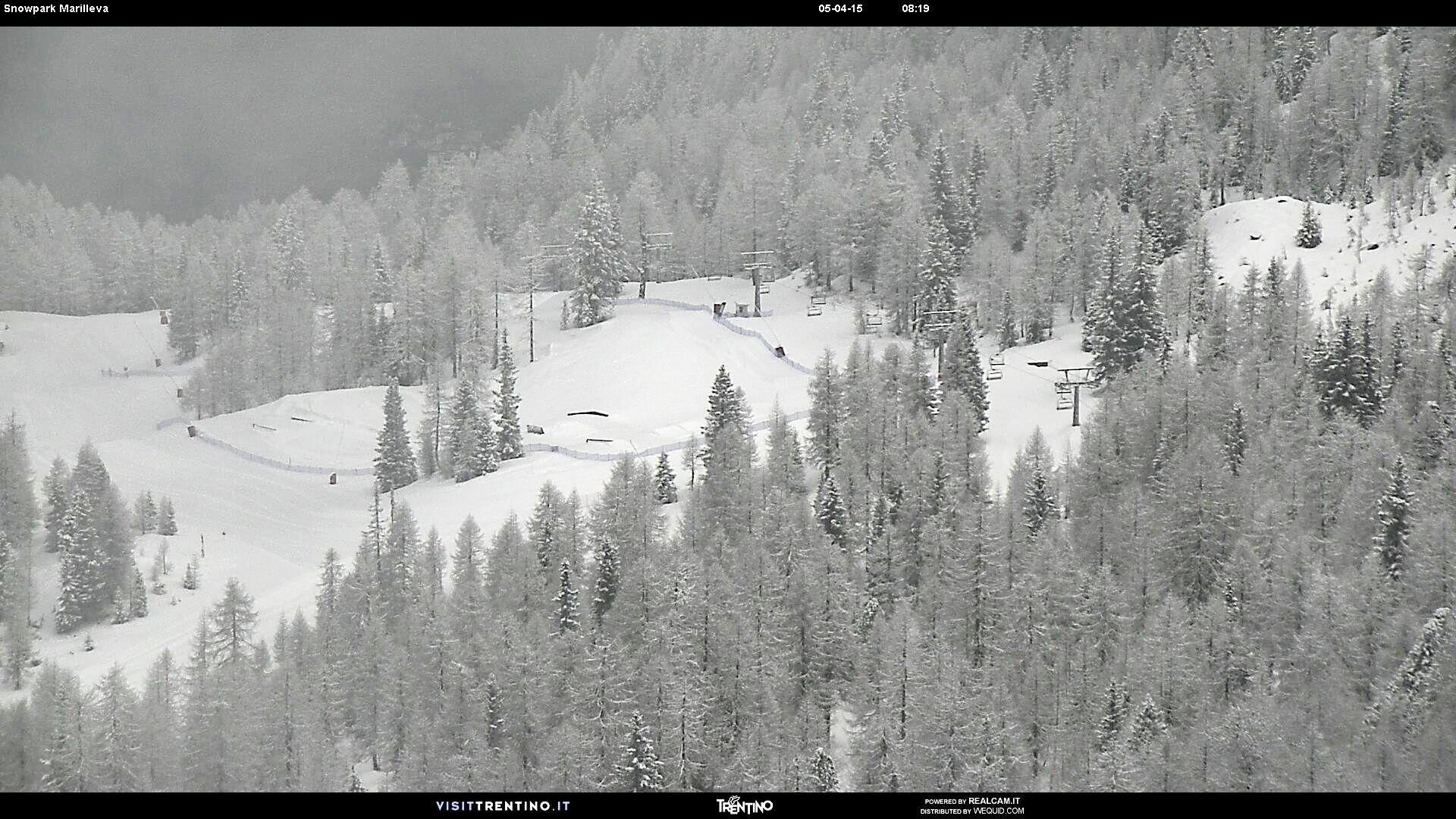#Marilleva #snowpark è uno dei 5 il #park della #SkiareaCampiglio, è il luogo ideale dove praticare #freestyle, #jump, ed #evoluzioni sugli #sci e #snowboard. Per tutti gli #skiers e #snowboarders esperti #eventi e #contest in formula #jamsession durante tutto l'#inverno!