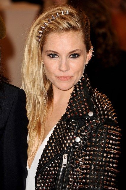 Sienna Miller accessorised her side-swept punk waves with a studded hair accessory and ear cuff to finish the look. #Punk #MetGala #2013