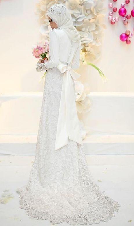 Pin By Az Musa On Dress Fashion Muslimah Wedding Muslimah Wedding Dress Islamic Wedding